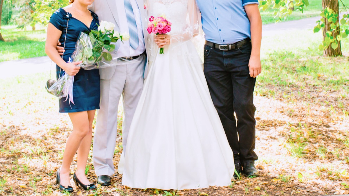 71583b66c01b8 女性ゲスト向け》結婚式お呼ばれ服装やバッグ、靴などの服装マナー ...